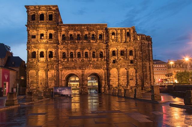 """Trier, Deutschland, wird häufig als """"zweites Rom"""" bezeichnet."""